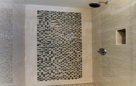 The Stevenson Monterey - Shower